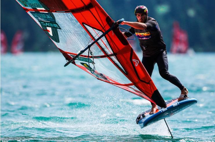 Nicolas Goyard champion du monde iQFoil 2021 Silvaplana